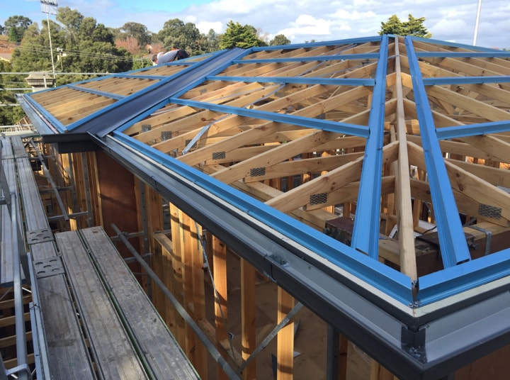 metal roofing installation and replacement